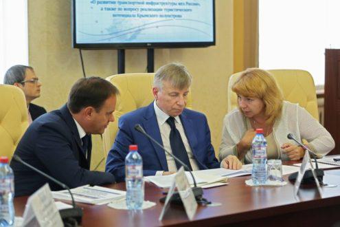 Сергей Аксёнов принял участие в совещании под руководством помощника Президента Игоря Левитина