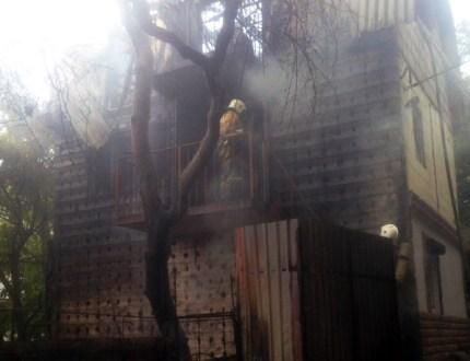 В поселке Гаспра горел четырехэтажный жилой дом