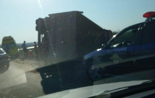 «Восстание» грузовиков на крымских дорогах