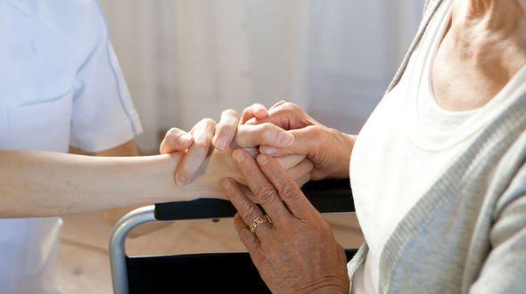 В Севастополе создадут службу сиделок и институт приёмной семьи для пожилых