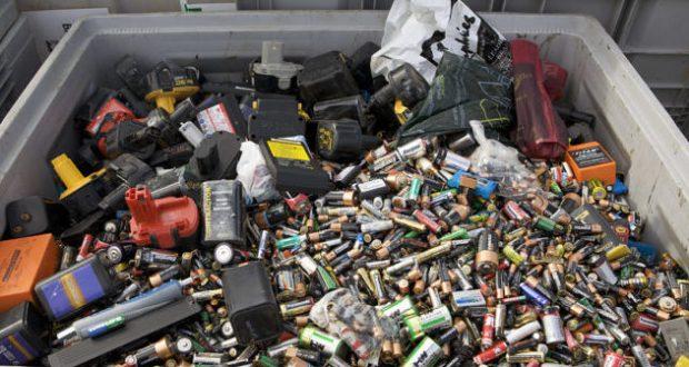 В Симферополе действуют десять пунктов приёма опасных отходов
