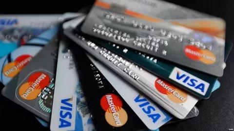 В Крыму «Генбанк» перестал выпускать карты Visa и MasterCard