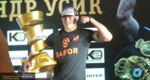 Боксёр Александр Усик отказался от звания Героя Украины