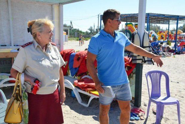 Проверка пляжей на западном побережье Крыма