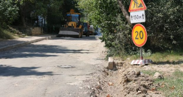 В Севастополе начали ремонт дорог на улицах Лоцманской и Боцманской