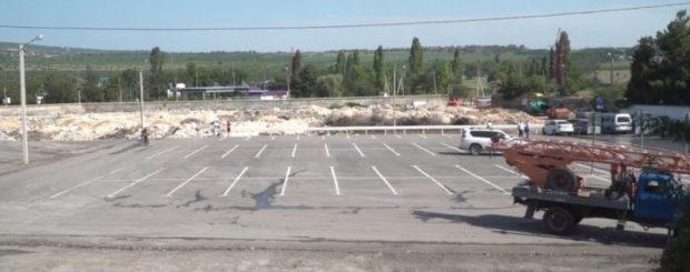 Две перехватывающие парковки в Севастополе теперь с освещением