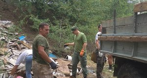В районе метеостанции «Ангарский перевал» волонтеры убрали более 8 кубометров мусора