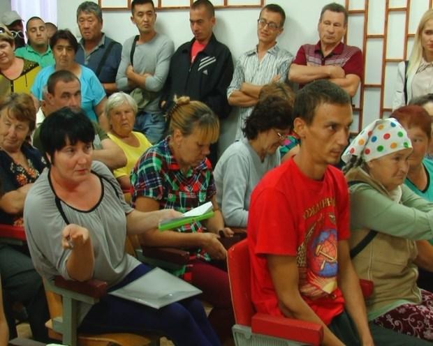 Жителей села Перекоп, пострадавших от испарений кислотонакопителя, интересует возмещение ущерба