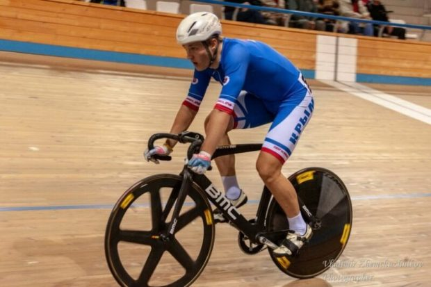 Симферополец Даниил Рыженко - победитель первенства России по велоспорту