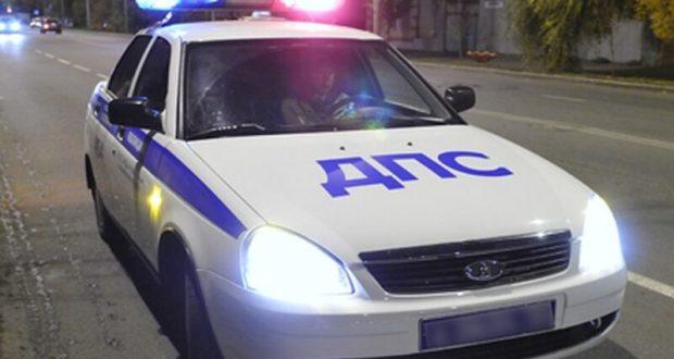 В Севастополе инспектор ДПС оперативно задержал водителя, скрывшегося с места ДТП