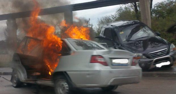 Страшное ДТП в Марьино, под Симферополем: четверо пострадавших, сгоревшая машина