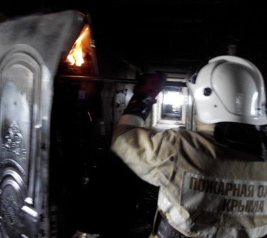 В Крыму во вторник горели гостиница и торговая палатка.