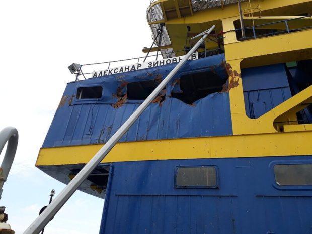 Что случилось с плавкраном «Александр Зиновьев», который врезался в Крымский мост