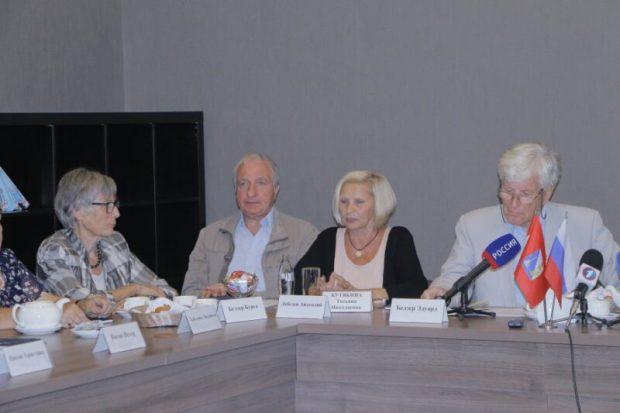 В Крым прибыла делегация из Швейцарии. Киев ожидаемо «осудил» этот визит