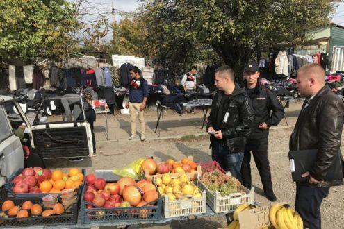«Неистребимые». В Симферополе снова «гоняли» уличных торговцев