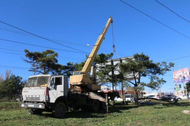 В Севастополе в этом году демонтируют практически 1300 незаконных рекламных конструкций