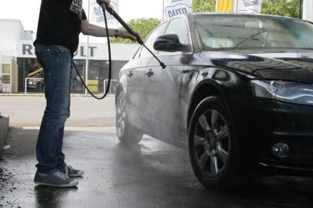 В Симферополе проверят все автомобильные мойки