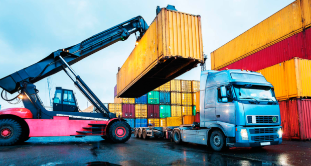 Контейнерные перевозки в Крыму «реанимируют» Новороссийск, инвесторы и Крымский мост