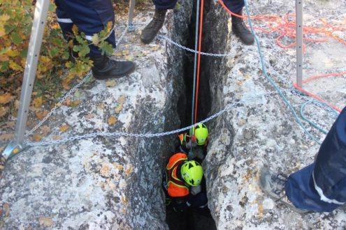 «КРЫМ-СПАС» тренируется эвакуировать пострадавших в пещерах и карстовых полостях