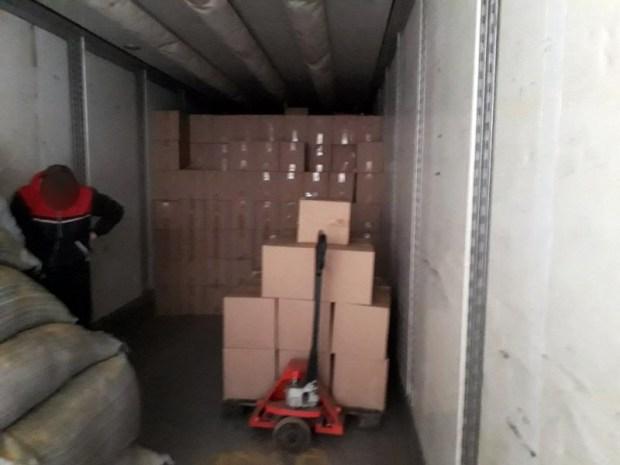 53 тонны контрафактного спирта могут обернуться двум крымчанам тюремным сроком