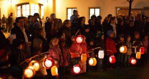 """11 ноября в Евпатории отметят старинный детский праздник """"Осенние фонарики"""""""