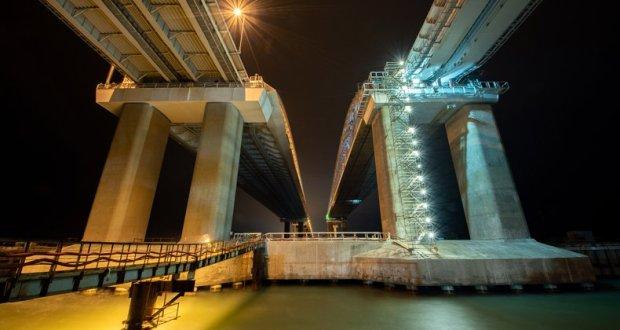 На шаг ближе: все опоры железнодорожной части Крымского моста сооружены