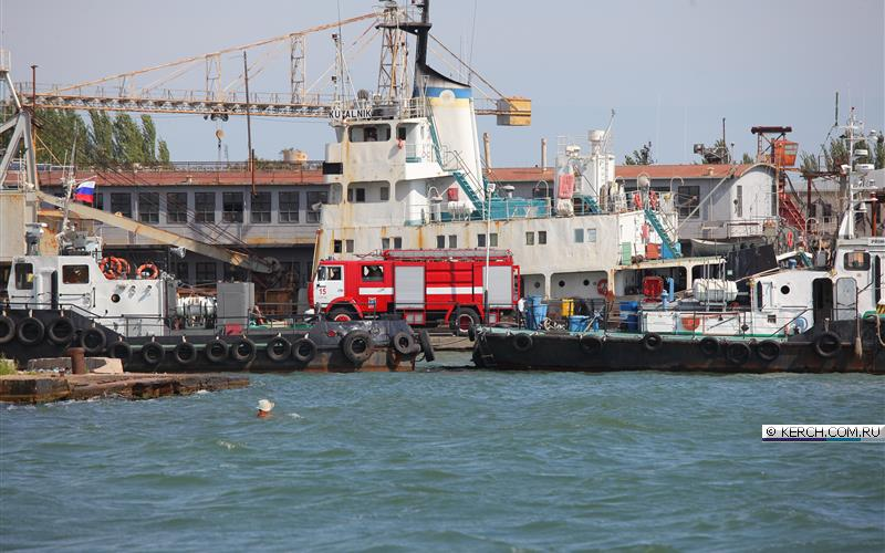 В акватории Керченского порта погиб вахтенный матрос