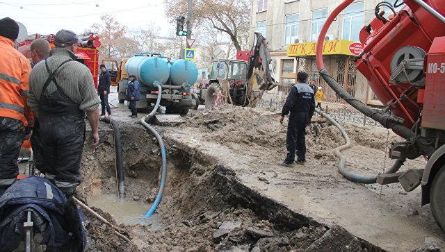 Стали известны подробности аварии на водоводе в центре Симферополя