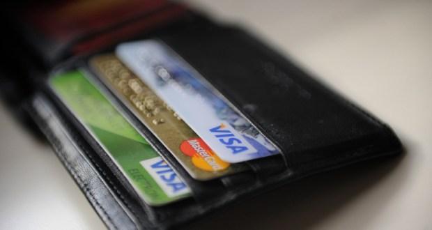 Центробанк инструктирует банки страны на случай отключения от международных платежных систем