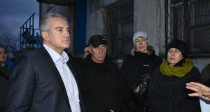 Сергей Аксёнов вместе с общественниками Феодосии посетил проблемные объекты города