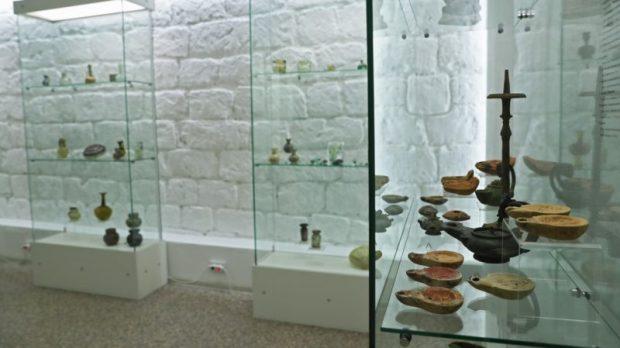 ФСБ передала в музей Тавриды ценности, изъятые у «черных археологов»