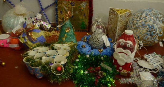 Машина подарков для секвойядендрона Никитского сада. Дарители - творческая детвора