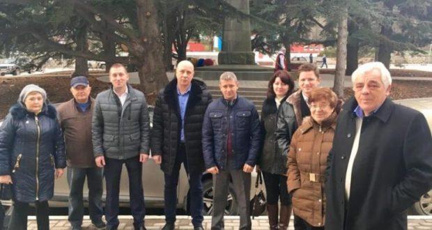 Севастопольские «Доброволец» и «Единая Россия» решают проблемы людей