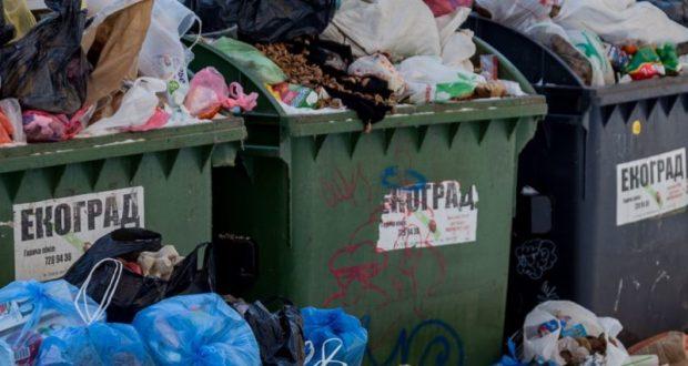 Власти Евпатории просят горожан и организации погасить долги за вывоз мусора