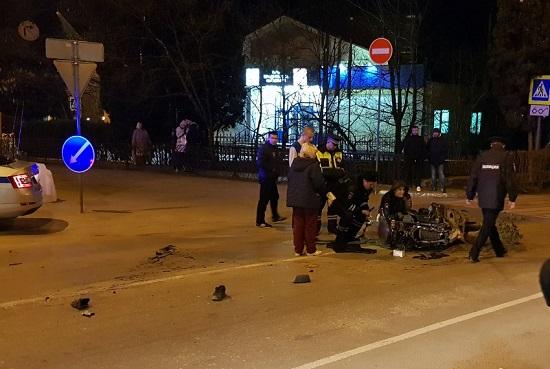Ночное ДТП в Ялте. Погиб водитель максискутера
