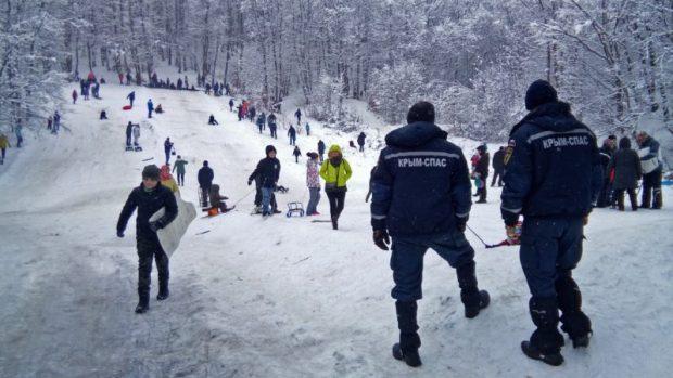 МЧС: за минувшие сутки в горах Крыма спасено 3 человека