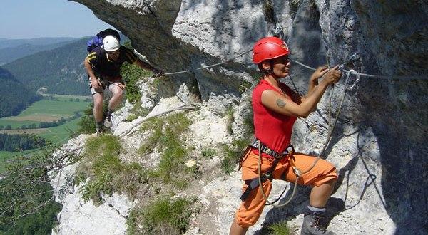 В горах Крыма оборудуют новый скальный маршрут для всех желающих