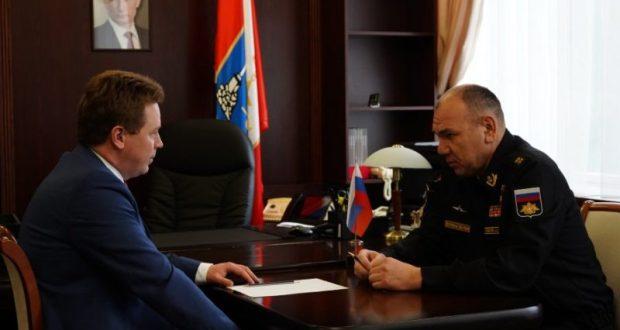 Губернатор Севастополя обсудил с командующим Черноморским флотом планы совместной работы