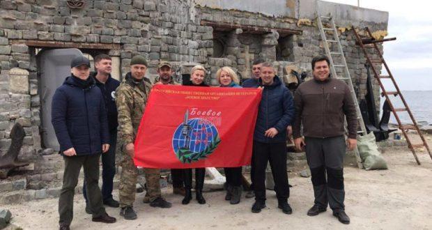 Севастопольские «Доброволец» и «Боевое Братство» приводят в порядок часовню Фёдора Ушакова