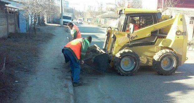 Уборка улиц Симферополя – ежедневная работа