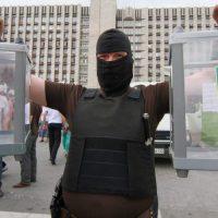 Киев приглашает крымчан «выбирать президента». В Крыму крутят пальцем у виска