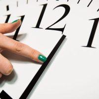 """""""Вертайте взад!"""" В Госдуме рассмотрят законопроект о сезонном переводе часов"""
