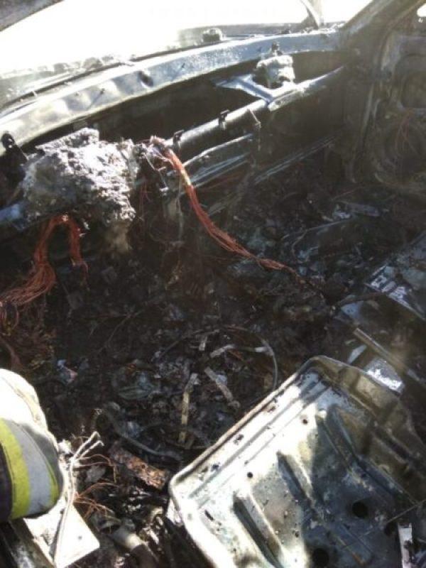 ЧП в Севастополе - на платной стоянке сгорел автомобиль