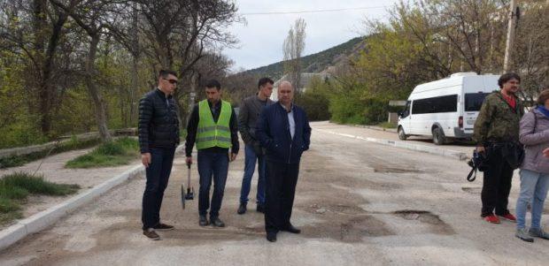 В Севастополе подрядчики устранят дефекты на дорогах. В рамках гарантии