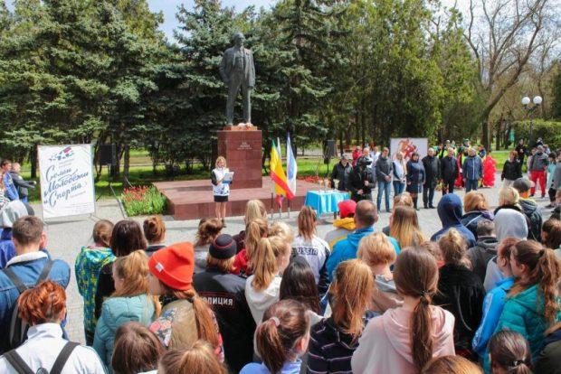 В Евпатории бежали - состоялась эстафета, посвященная 75-й годовщине освобождения от немецко-фашистских захватчиков