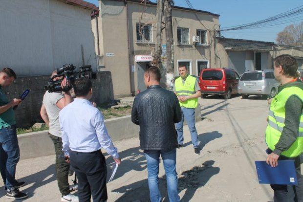 В Симферополе - проблемы с освещением пешеходных переходов и качеством дорожной разметки