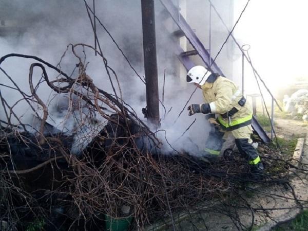 Пожар в крымском поселке Щебетовка: горел двухэтажный дом