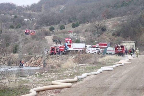"""В Севастополе """"тушили"""" крупный лесной пожар"""
