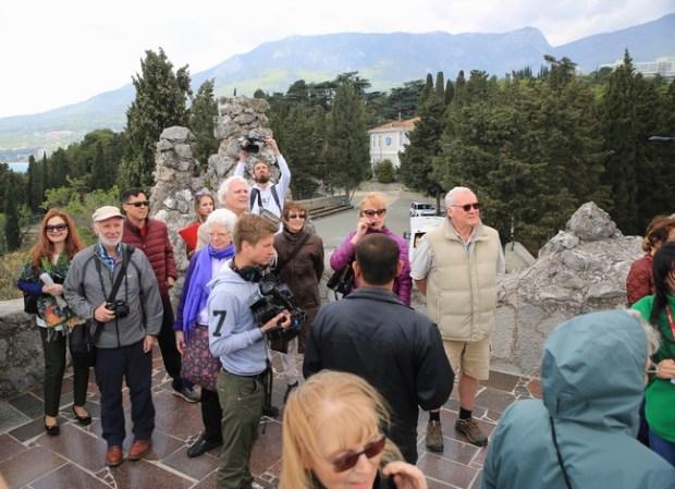 Народная дипломатия: зарубежные гости посетили «Артек»
