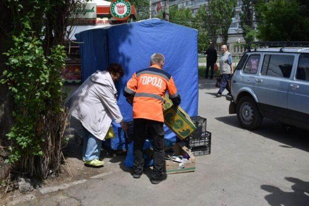 """В Симферополе проводят ежедневные рейды """"в очагах незаконной торговли"""""""